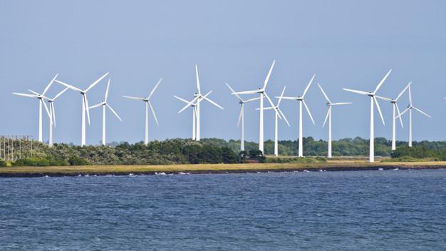 centrale eolica, fonte rinnovabile di energia