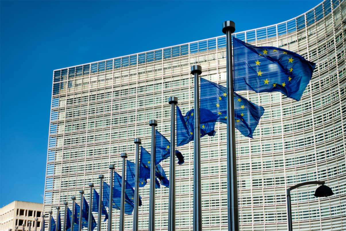 commissione europea nuove regole batterie